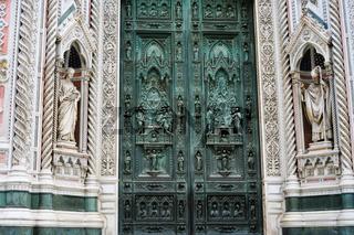 closed doors of Santa Maria del Fiore in Florence