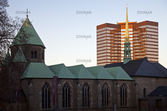 Cathedral and town hall in evening sun, Essen, North Rhine-Westphalia, Germany, Europe