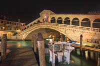 Famous Rialto bridge in Venice
