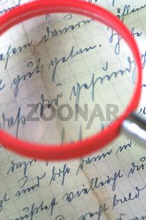 Brief und Leselupe