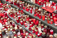 candles and flowers at christmas market in Berlin