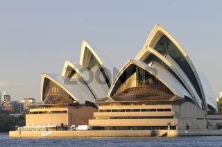 Opernhaus in Sydney vom Wasser aus