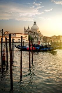 Basilica and gondolas
