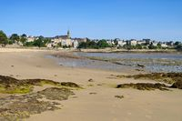 Dinard in der Bretagne, Frankreich - the town Dinard in Brittany, France