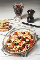 Gegrillter griechischer Feta-Käse auf Glas