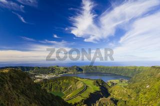 Blick auf die Kraterseen von Sete Citades, Sao Miguel, Azoren, Portugal