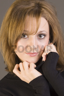Beauty Portrait junge Frau mit rotbraunen Haaren, young woman with reddish brown hair