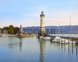 Leuchtturm Lindau an der Hafeneinfahrt