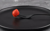 Erdbeere auf Teller - Strawberry on fork and plate