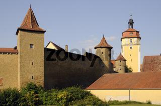 Stadtmauer und Kirche in Mainbernheim