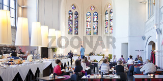 BI_Restaurant_Kirche_01.tif