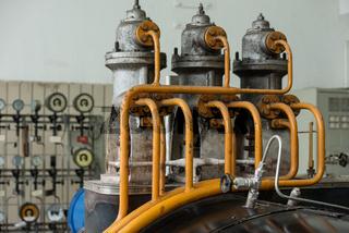 Dampfleitungen einer Turbine