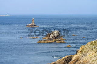 Pointe du Raz und der Leuchtturm la Vieille in der Bretagne - Pointe du Raz and lighthouse Phare de la Vieille in Brittany, France