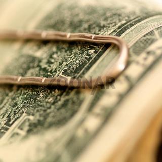Geld Clip an einem Dollarschein