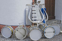 Instruments of a minstrel train