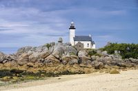 Leuchtturm Pontusval am Kerlouan Strand in der Bretagne, Finistere in Frankreich - Lighthouse Pontusval on Kerlouan beach in Finistere in Brittany, France