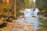 Mummelfall im Riesengebirge - waterfall Mummelfall in the Giant Mountains, Czechia