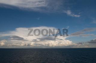 Gewitterwolken über der Ostsee