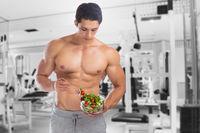 Salat essen Bodybuilding Bodybuilder Fitnessstudio Muskeln gesund Gesundheit Mann