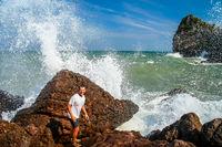 Escaping big wave