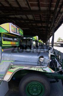 Jeepneys vor der Auslieferung