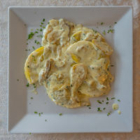 Tortelloni cream and mushrooms from above