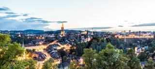 Panorama von Bern am Abend