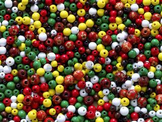 Bunte Holzperlen / wooden beads