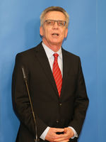 ederal Minister of the Interior, Thomas de Maizière (CDU), at the Center of Excellence, Magdeburg
