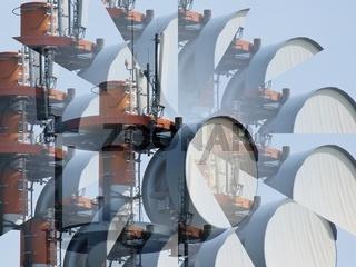 Funkmast mit Sende- und Empfangseinheiten einer Funkstelle als Prismadarstellung