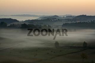 Landschaft mit Nebelstimmung, Toskana, Italien, Landscape with fog, Tuscany, Italy