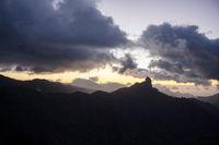 Silhouette vom Roque Bentayga auf Gran Canaria