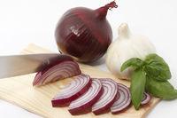 Geschnittene rote Zwiebel/Sliced red onion
