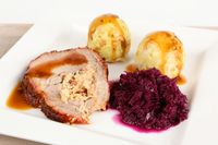 roast with dumplings and red cabbage