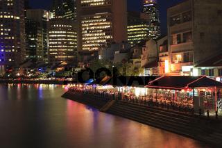 Blick auf das Finanzzentrum mit Boat Quay