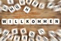 Willkommen Kunde Kunden Flüchtling Flüchtlinge Ausländer Asylant Würfel Business Konzept