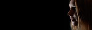 Hintergrund Banner mit junger Frau im Profil