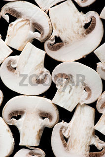 Sliced champignon mushrooms
