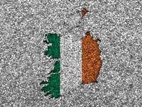 Karte und Fahne von Irland auf Mohn - Map and flag of Ireland on poppy seeds