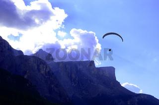 Paragliding am Sellamassiv in den Dolomiten