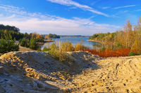 Zeischaer Kiessee, Landschaft in der Lausitz im Herbst -  Zeischaer lake, landscape in Lusatia in autumn