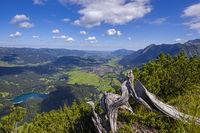 Panorama vom Himmelschrofen, 1790m, ins Illertal, Freibergsee und Oberstdorf, Allgäuer Alpen, Allgäu, Bayern, Deutschland, Europa