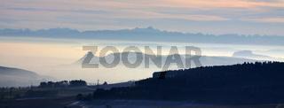 Blick über die Hegauberge  bis zu den Alpen mit  Altmann und Säntis