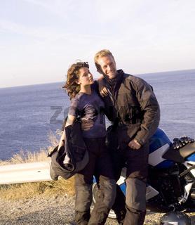 Pärchen mit Motorrad