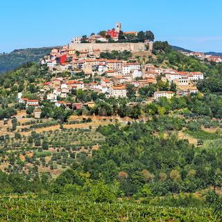 Blick auf die Stadt Motovun in Istrien, Kroatien