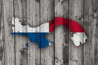 Karte und Fahne von Panama auf verwittertem Holz - Map and flag of Panama on weathered wood