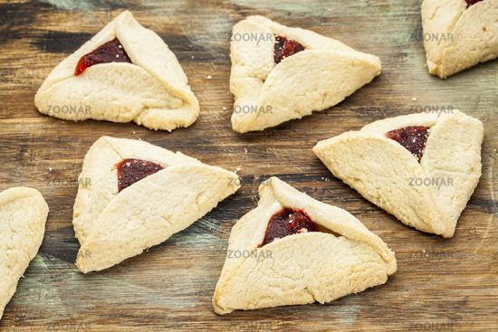 raspberry  hamantaschen pastry