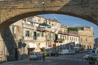 Pitigliano gebaut aus Tuffstein, Toskana, Italien