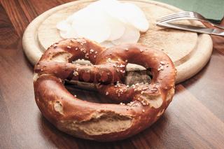 Laugengebäck - eine bayrische Brezn - 'Must have' auf dem Oktoberfest