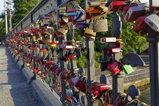 Liebesschlösser, Schwanenwikbrücke, Geländer, Außenalster, Hamburg, Deutschland